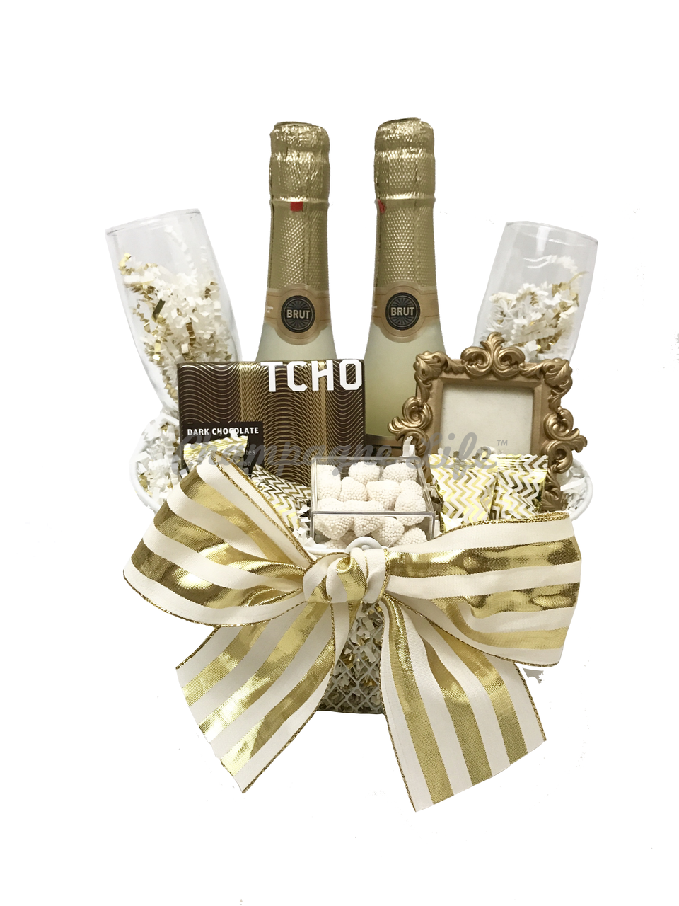 00027 Gold Champagne Toast Basket Preview Champagne Life